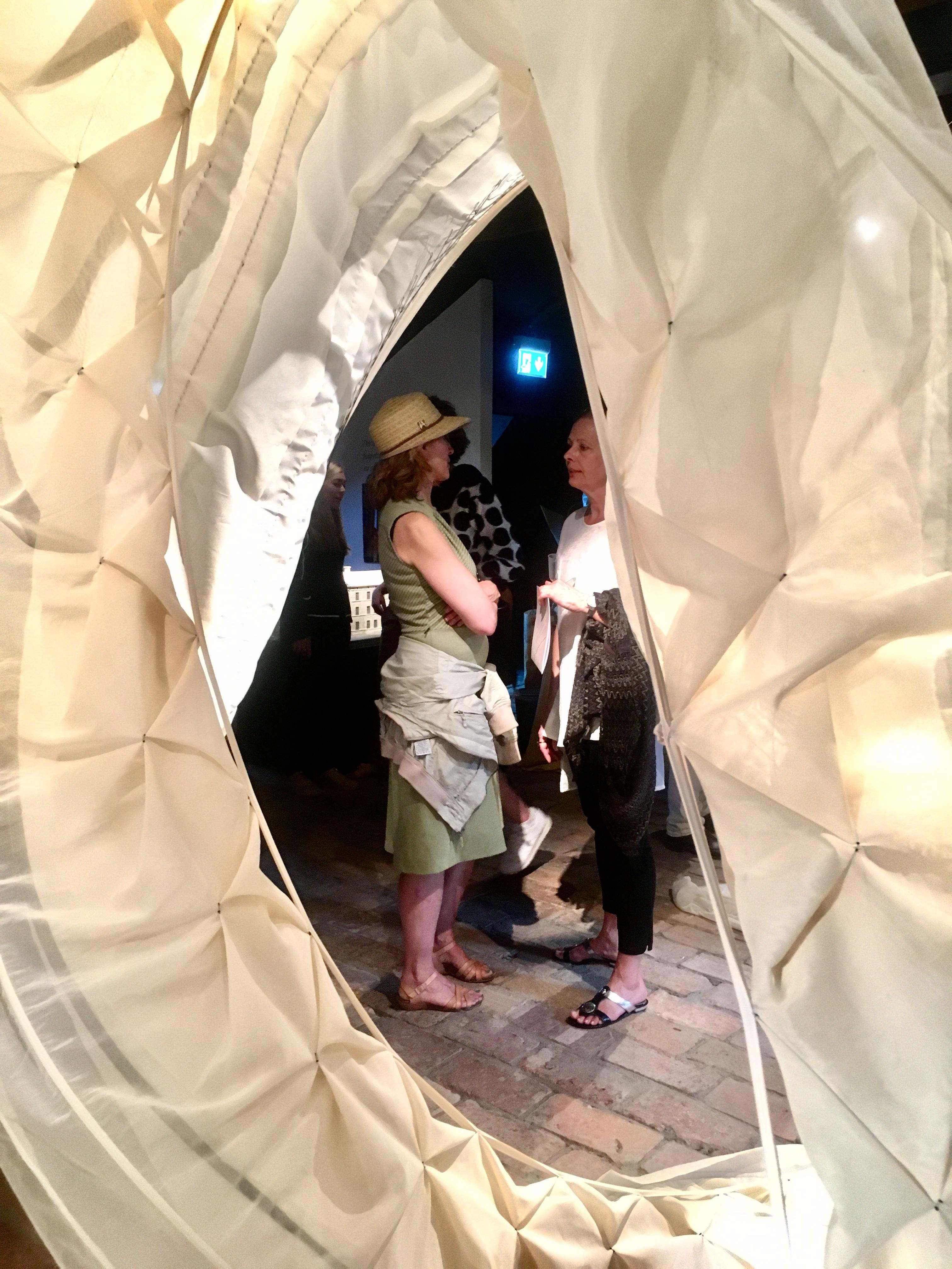 Fin utställning av textilkonstnär Ulrika Mårtensson